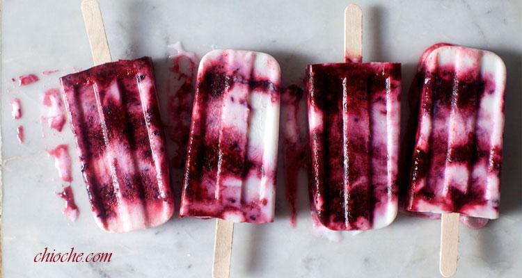 بستنی یخی با ماست و توت