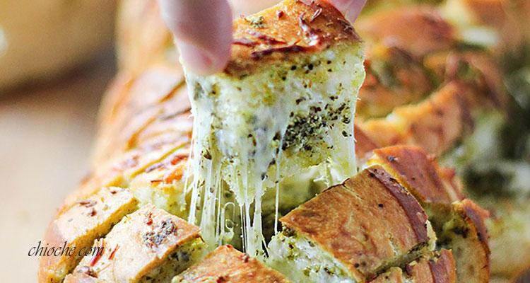 نان باگت پنیری