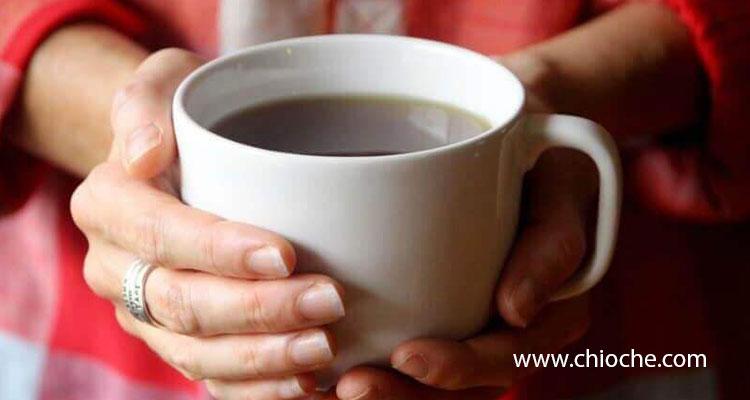 طرز تهیه دمنوش برای تسکین گلو درد