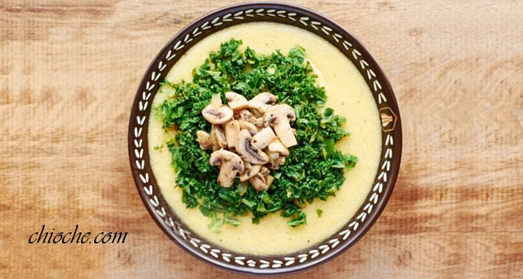 سوپ ذرت با قارچ و جعفری