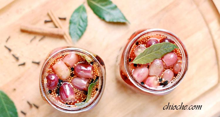 ترشی انگور با دارچین و فلفل سیاه