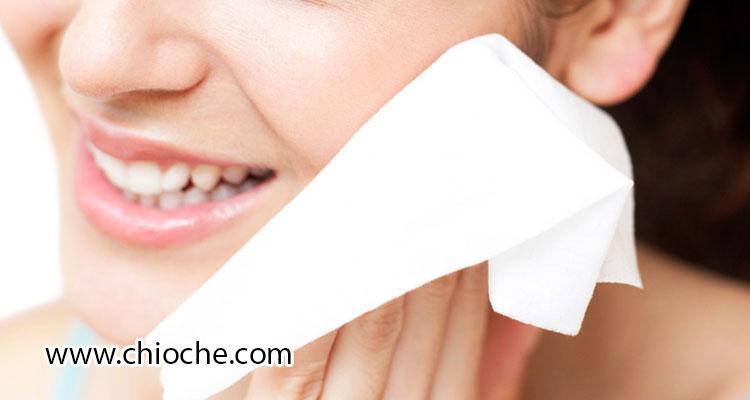روش ساخت آرایش پاک کن صورت مناسب برای پوستهای دارای آکنه